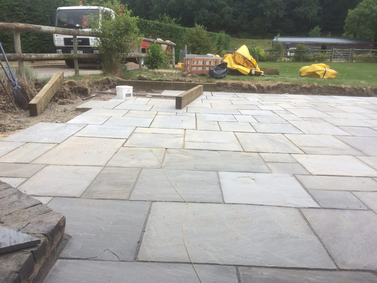 New Patio And Fencing At Pendock Gloucestershire (9)